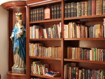 Custom Bookcase And Statue Niches South Chicagoland